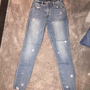 Light wash star jeans